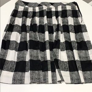 Talbots Black and White Checkered Skirt (16)